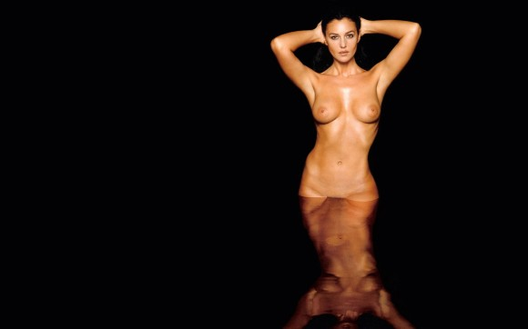 Monica-Bellucci-Nude-Hot-on-the-Water-HD-Widescreen