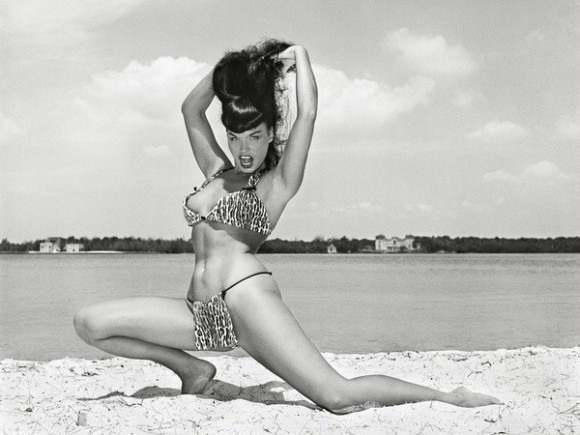 bettie-page-beach