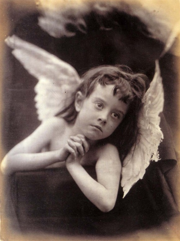 Angel_of_the_Nativity_by_Julia_Margaret_Cameron